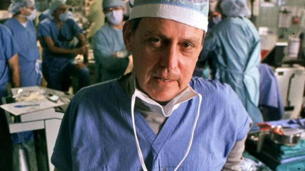 Dr. Thomas Starzl inside the operating room